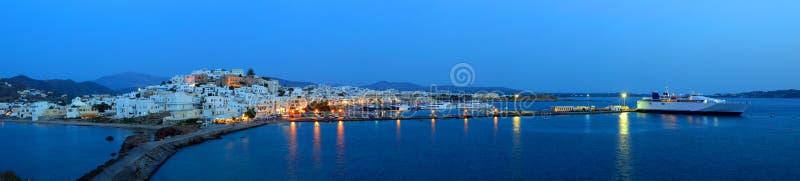 Panorama de Chora au crépuscule, île de Naxos, archipel de Cyclades, G image libre de droits