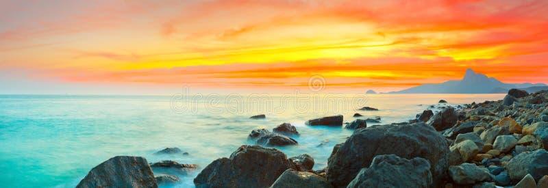 Panorama de coucher du soleil images libres de droits