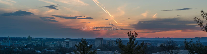 Panorama de coucher du soleil au-dessus d'Harrisburg Pennsylvanie images libres de droits