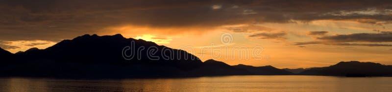 Panorama De Coucher Du Soleil De Montagne Image stock