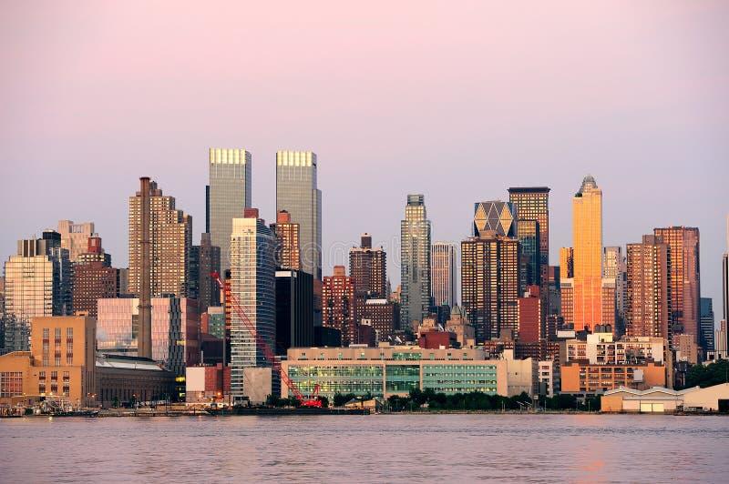 Panorama de coucher du soleil de New York City Manhattan photographie stock libre de droits