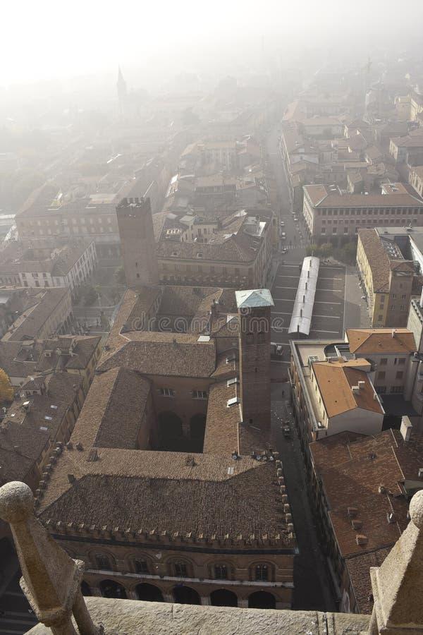Download Panorama de Cremona foto de stock. Imagem de preservado - 16872322
