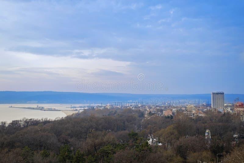 Panorama de début de la matinée de la ville bulgare 2 de Varna photos libres de droits