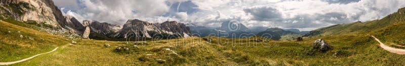 Panorama de dolomites images libres de droits