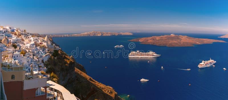 Panorama de Fira, Santorini, Grecia imagen de archivo libre de regalías