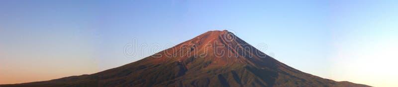 Panorama de Fuji da montagem no nascer do sol imagem de stock