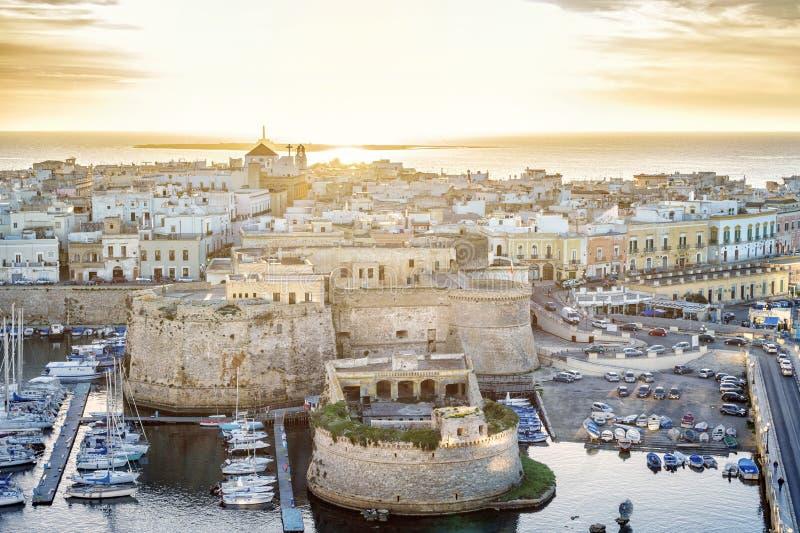 Panorama de Gallipoli bonito, Puglia, Itália fotografia de stock royalty free