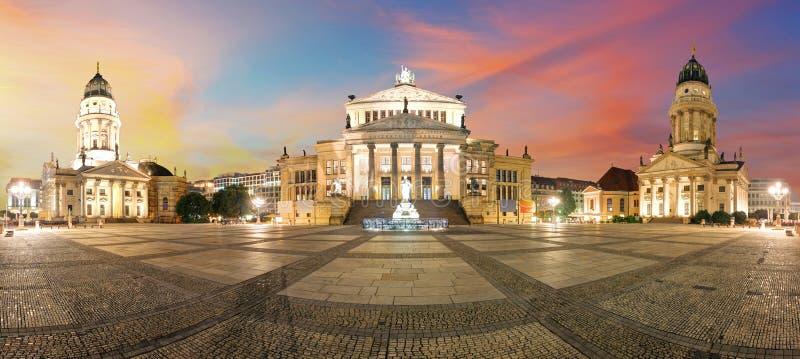 Panorama de Gendarmenmarkt Berlim (mercado de Gendarmen), landma famoso fotografia de stock
