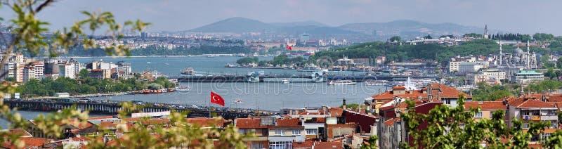 Panorama de Golfe d'or de klaxon et du Bosphorus image stock