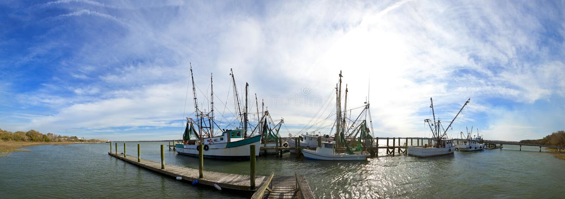 panorama de 180 grados de los barcos de pesca fotografía de archivo libre de regalías