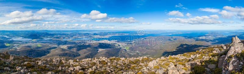 Panorama de Hobart da montagem Wellington, Tasmânia fotografia de stock royalty free