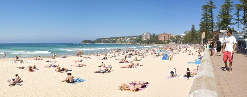 Panorama de hombres de la playa imagen de archivo libre de regalías