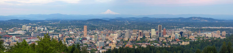 Panorama de journée de paysage urbain de Portland Orégon photo stock