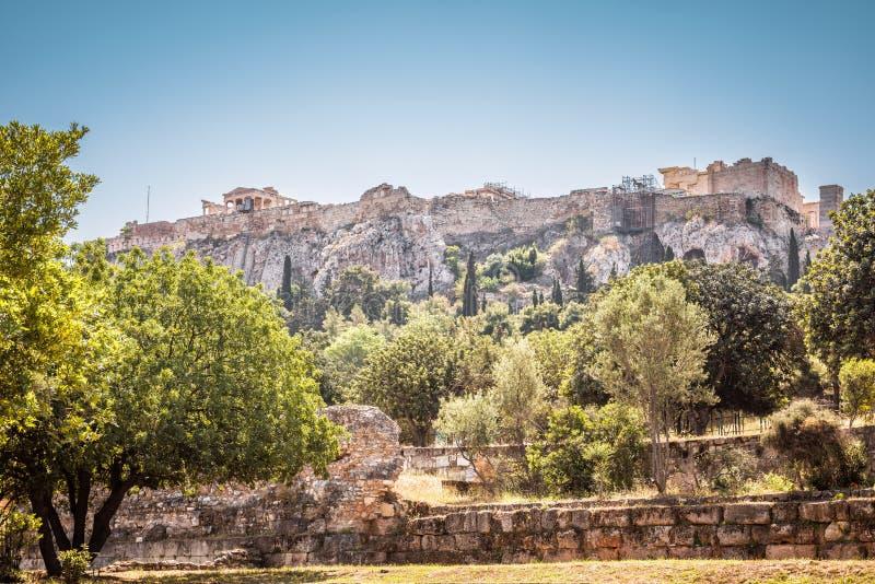 Panorama de l'agora donnant sur la colline célèbre d'Acropole, Athènes, images stock