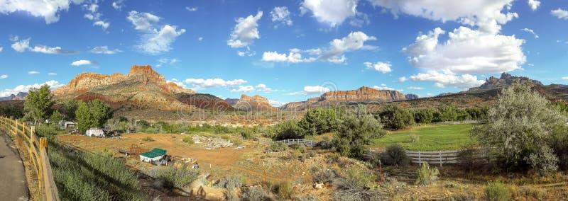 Download Panorama De L'Utah De Parc National De Zion Photo stock - Image du amusement, nature: 45357726