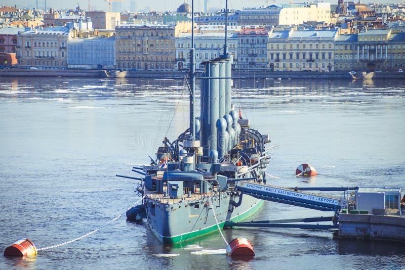Panorama de la aurora del crucero en St Petersburg fotos de archivo libres de regalías