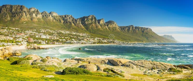 Panorama de la bahía de los campos en Cape Town, Suráfrica fotografía de archivo libre de regalías