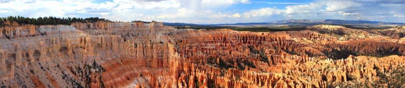 Panorama de la barranca de Bryce foto de archivo libre de regalías