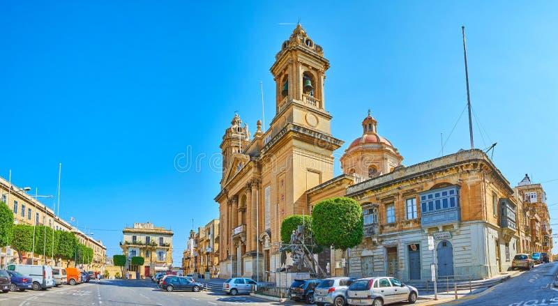 Panorama de la calle de Victoria con Maria Bambina Church, Senglea, Malta fotos de archivo libres de regalías
