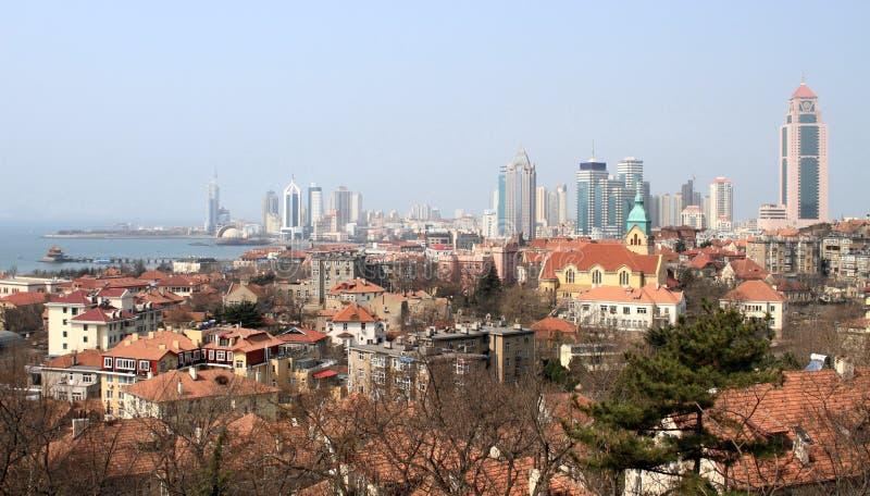 Panorama de la ciudad de Qingdao fotografía de archivo libre de regalías
