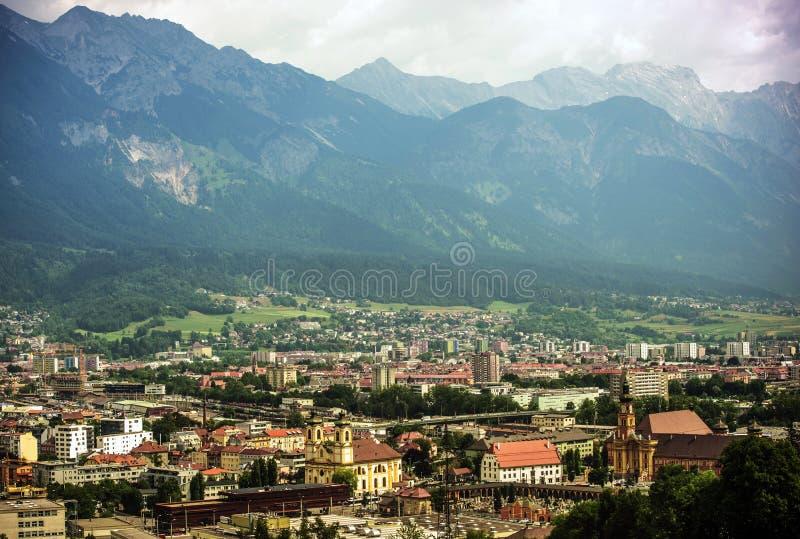 Panorama de la ciudad de Innsbruck imágenes de archivo libres de regalías