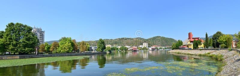 Panorama de la ciudad de Orsova foto de archivo libre de regalías