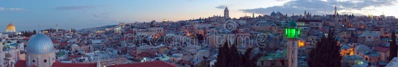 Panorama - ciudad vieja en la noche, Jerusalén fotos de archivo