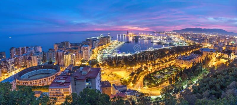 Panorama de la costa de mar en Málaga en puesta del sol imágenes de archivo libres de regalías