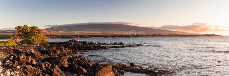 Panorama de la costa costa de Waikoloa foto de archivo