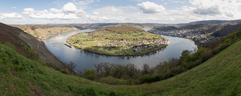 Panorama de la definición de Alemania del boppard del lazo del Rin alto fotos de archivo