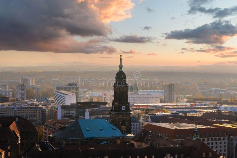 Download Panorama De La Dresden En El Tiempo De La Puesta Del Sol Foto de archivo editorial - Imagen de historia, señal: 100528453