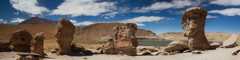 Panorama de la formación de roca en Laguna Turquin imagen de archivo