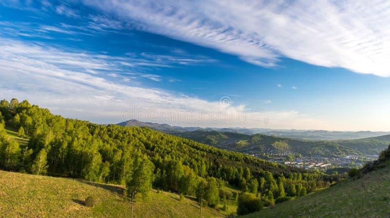 Panorama de la montaña foto de archivo libre de regalías