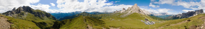 Panorama de la montaña, passo Giau, Italia fotografía de archivo libre de regalías