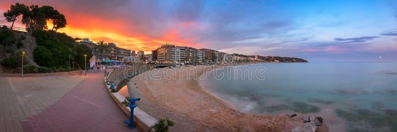 Panorama de la orilla del mar por la tarde, Lloret de Mar de Lloret de Mar fotos de archivo libres de regalías