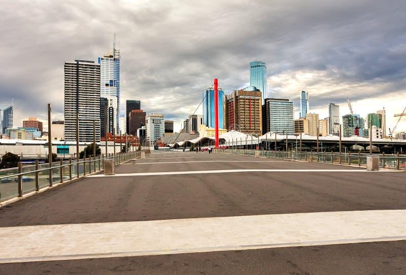 Panorama de la pieza del negocio de Melbourne en la puesta del sol imágenes de archivo libres de regalías