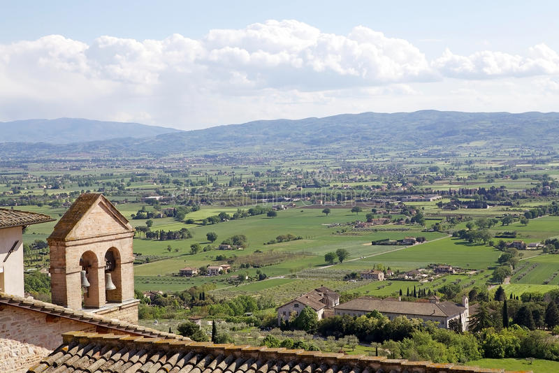 Panorama de la plaine d'Assisi, Italie photographie stock libre de droits