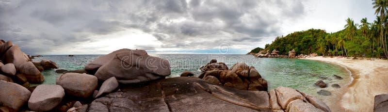 Panorama de la playa tropical fotos de archivo