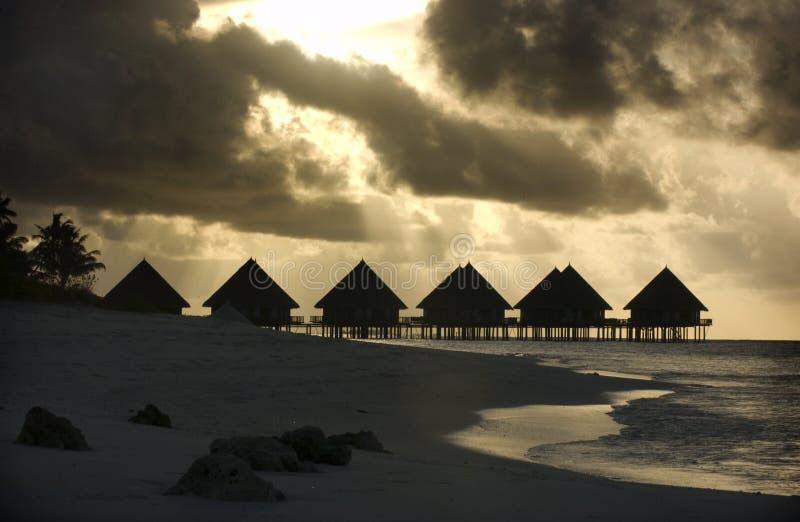 Panorama de la puesta del sol tropical fotos de archivo