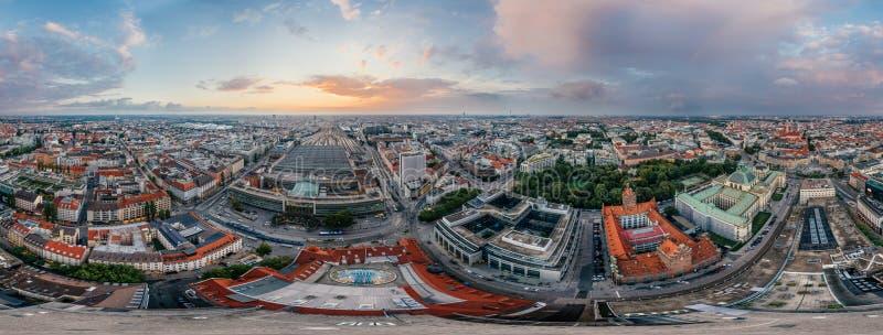 Panorama de la realidad virtual del vr del abejón 360 del aire de la ciudad de Munich imagen de archivo libre de regalías