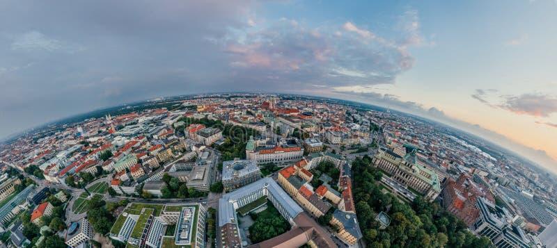 Panorama de la realidad virtual del vr del abejón 360 del aire de la ciudad de Munich foto de archivo