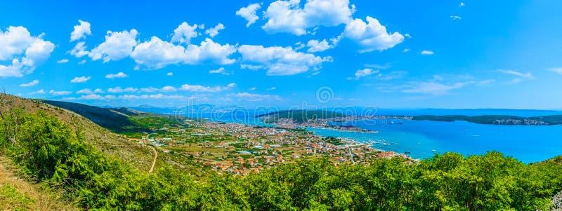 Panorama de la Riviera fendue, Croatie photos libres de droits