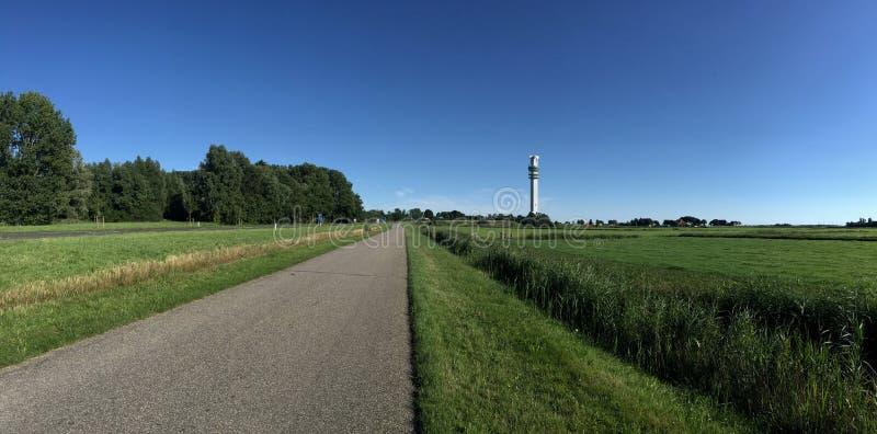 Download Panorama De La Route à La Tour De Télécommunication Photo stock - Image du route, arbre: 76083184