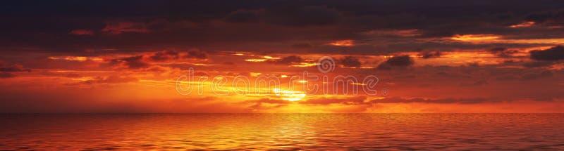 Panorama De La Salida Del Sol Foto de archivo libre de regalías