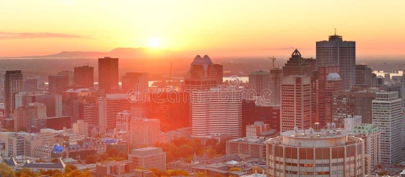 Panorama de la salida del sol de Montreal imagenes de archivo