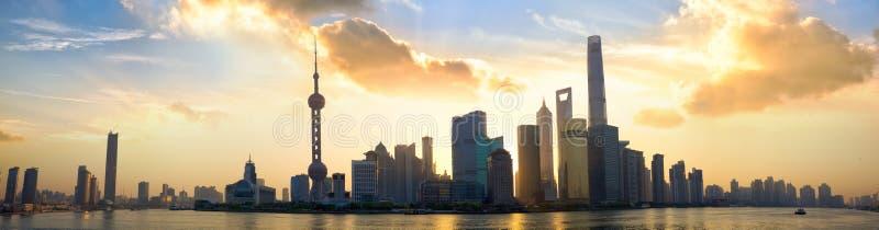Panorama de la salida del sol de Shangai foto de archivo libre de regalías