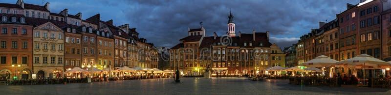 Panorama de la vieille place à Varsovie photographie stock