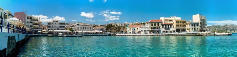 Panorama de lac greece Crète Agios Nikolaos, port image libre de droits
