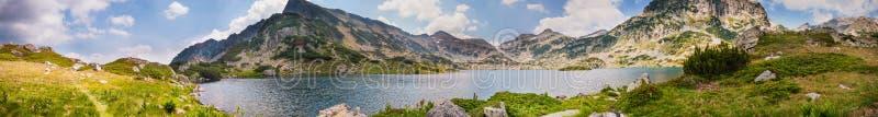 Panorama de lac Pirin de montagne photos stock