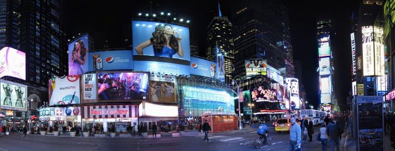 Panorama de las carteleras del Times Square imagen de archivo